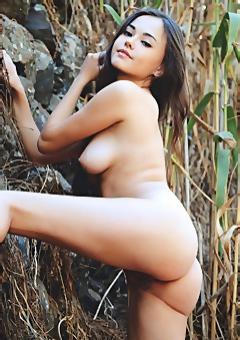 Li Moon Nude In The Nature